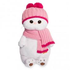 Ли-Ли в розовой шапке с шарфом