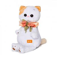 Ли Ли с цветами из шелка