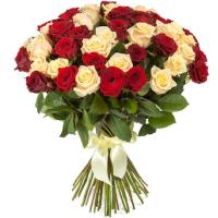 51 подмосковная роза микс: персиковые и бордовые