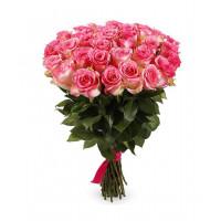 25 подмосковных двухцветных (розово-белых) роз