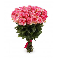 35 подмосковных двухцветных (розово-белых) роз