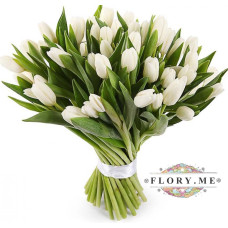 29 белых тюльпанов в упаковке